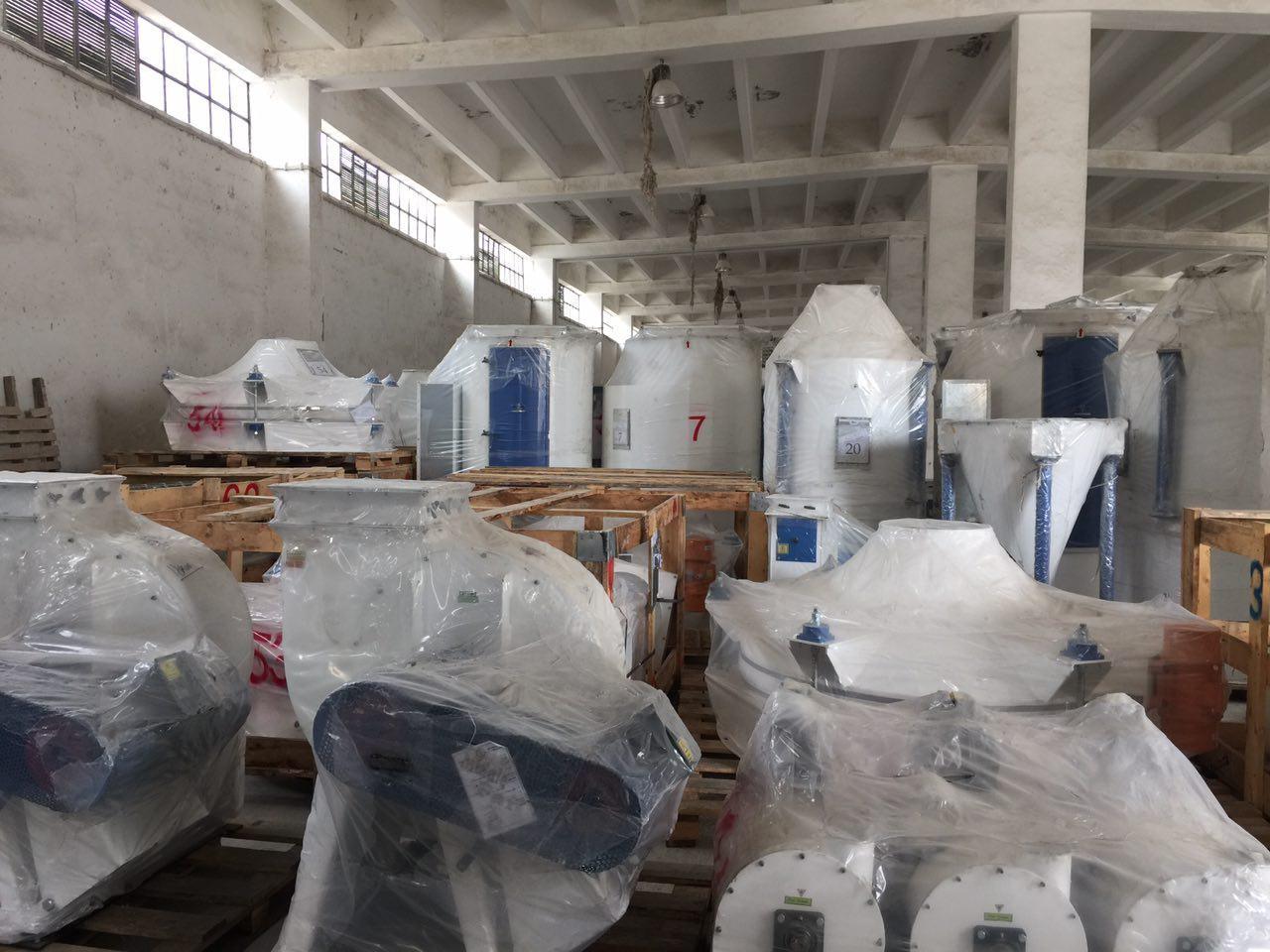 دپوی محصولات در کارخانه